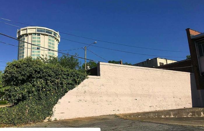 Artsplosure 2016 Wall Mural Site - White Brick Wall In Downtown Raleigh